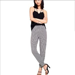Express B&W Pattern Pleated Pull On Pants